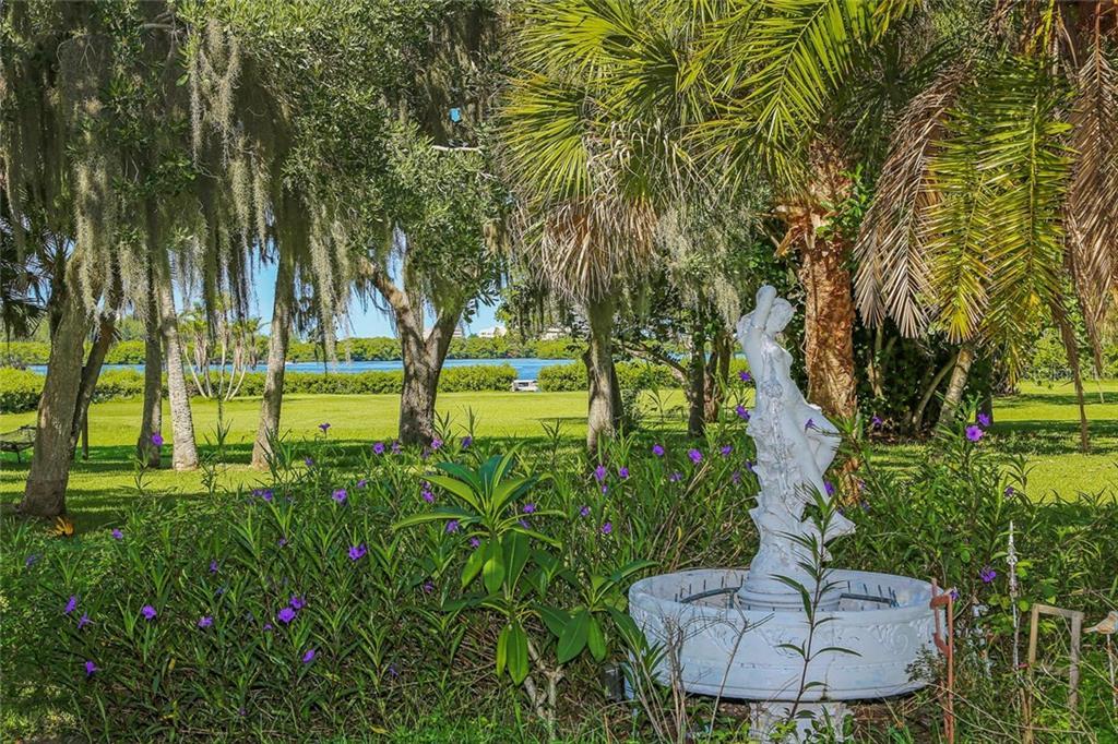 Casa Unifamiliar por un Venta en 1710 Vamo Dr 1710 Vamo Dr Sarasota, Florida,34231 Estados Unidos