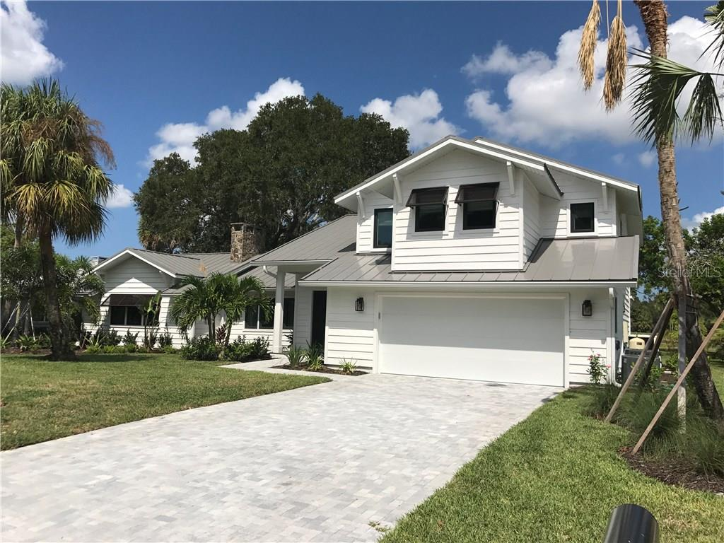 Single Family Home for Sale at 4008 Pinar Dr 4008 Pinar Dr Bradenton, Florida,34210 United States