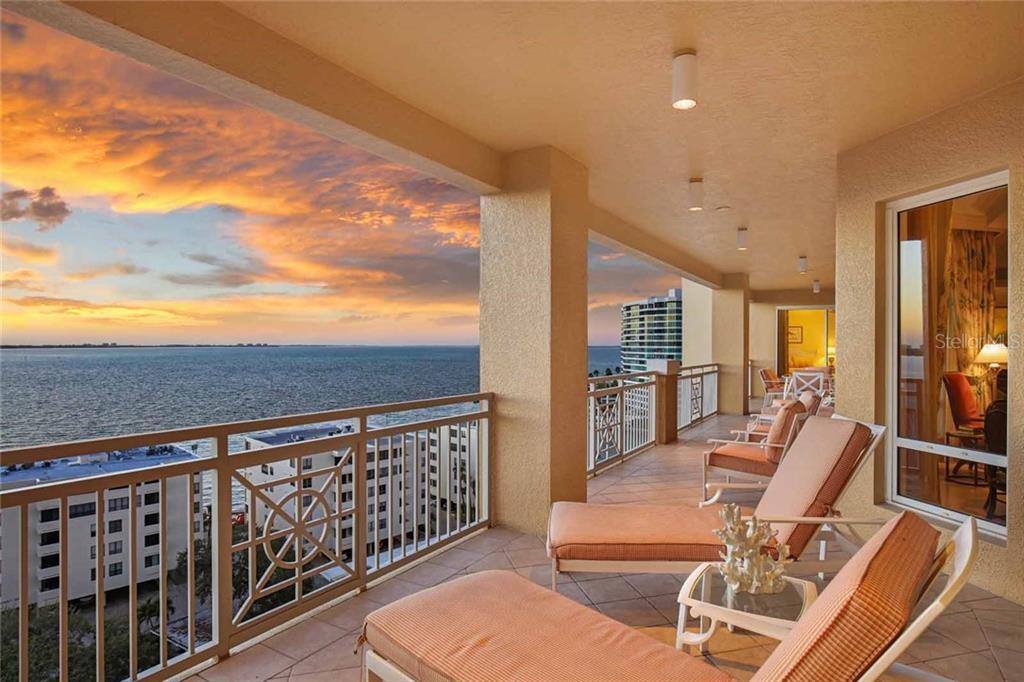 Nhà chung cư vì Bán tại 35 Watergate Dr #1003 35 Watergate Dr #1003 Sarasota, Florida,34236 Hoa Kỳ