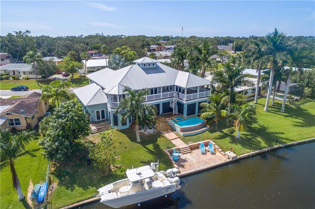 Single Family Home for Sale at 2127 Lusitania Dr 2127 Lusitania Dr Sarasota, Florida,34231 United States