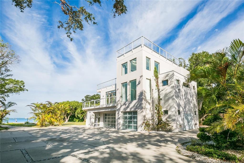 단독 가정 주택 용 매매 에 4035 Bay Shore Rd 4035 Bay Shore Rd Sarasota, 플로리다,34234 미국