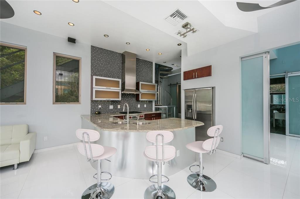 Additional photo for property listing at 4035 Bay Shore Rd 4035 Bay Shore Rd Sarasota, Флорида,34234 Соединенные Штаты