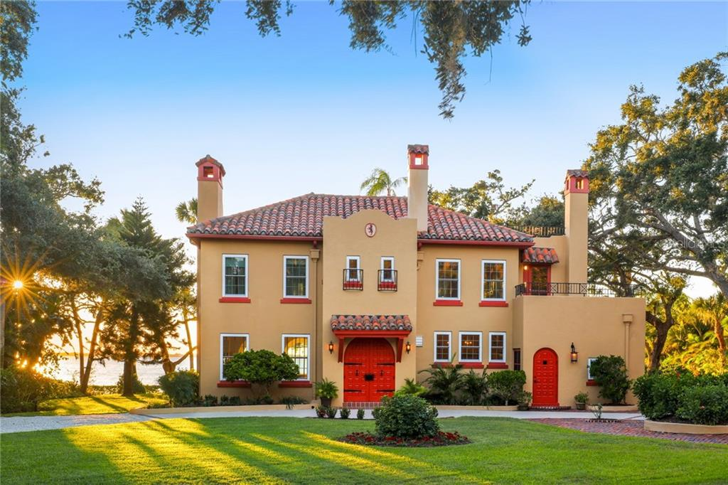 Maison unifamiliale pour l Vente à 3221 Bay Shore Rd 3221 Bay Shore Rd Sarasota, Florida,34234 États-Unis