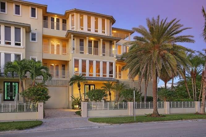 Casa Unifamiliar por un Venta en 67 Avenida Messina #b 67 Avenida Messina #b Sarasota, Florida,34242 Estados Unidos
