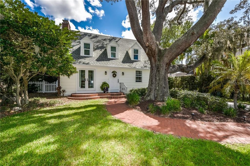 Maison unifamiliale pour l Vente à 1039 Bayou Pl 1039 Bayou Pl Sarasota, Florida,34236 États-Unis