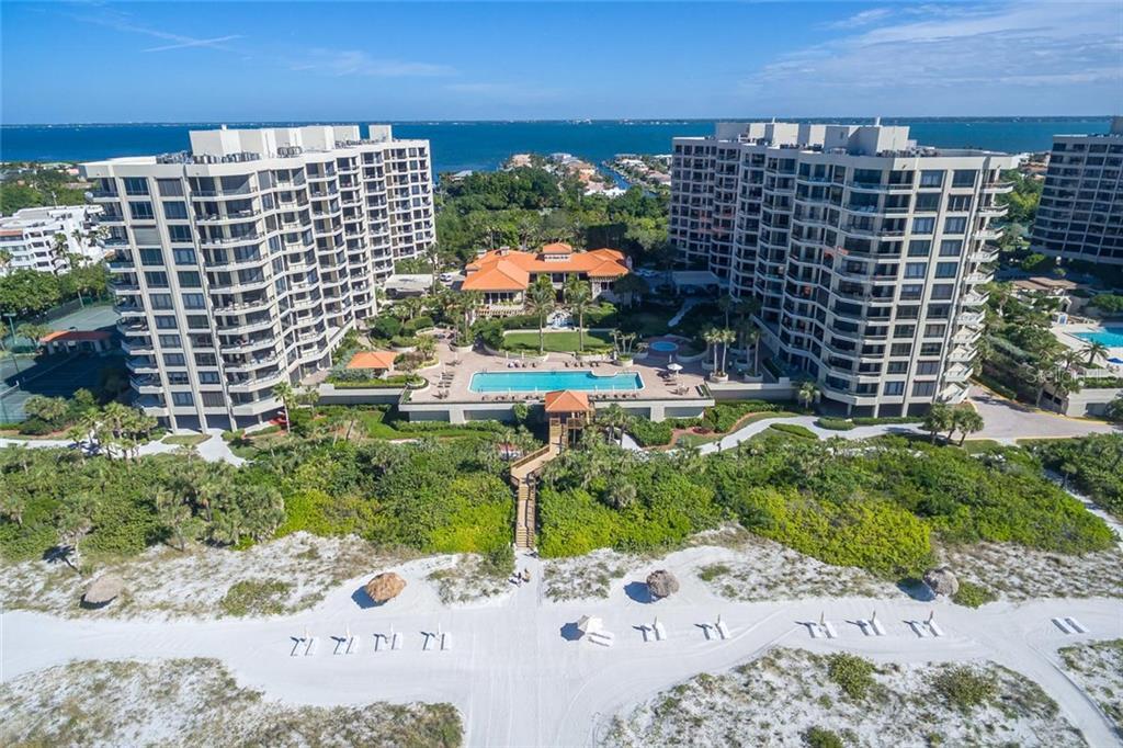 Частный дом для того Продажа на 1241 Gulf Of Mexico Dr #307 1241 Gulf Of Mexico Dr #307 Longboat Key, Флорида,34228 Соединенные Штаты