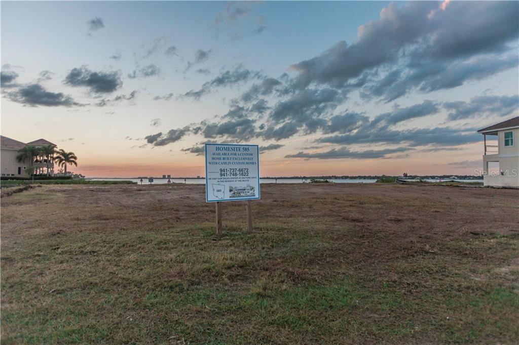 Land / Lot voor Verkoop een t 608 Regatta Way 608 Regatta Way Bradenton, Florida,34208 Verenigde Staten