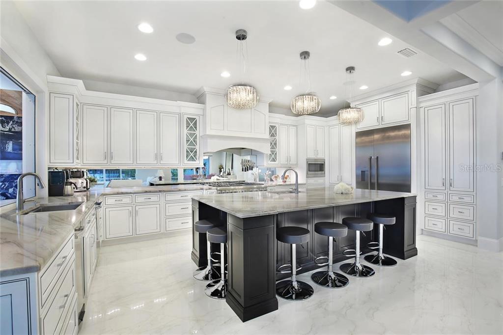 Additional photo for property listing at 1001 Tocobaga Ln 1001 Tocobaga Ln Sarasota, 플로리다,34236 미국
