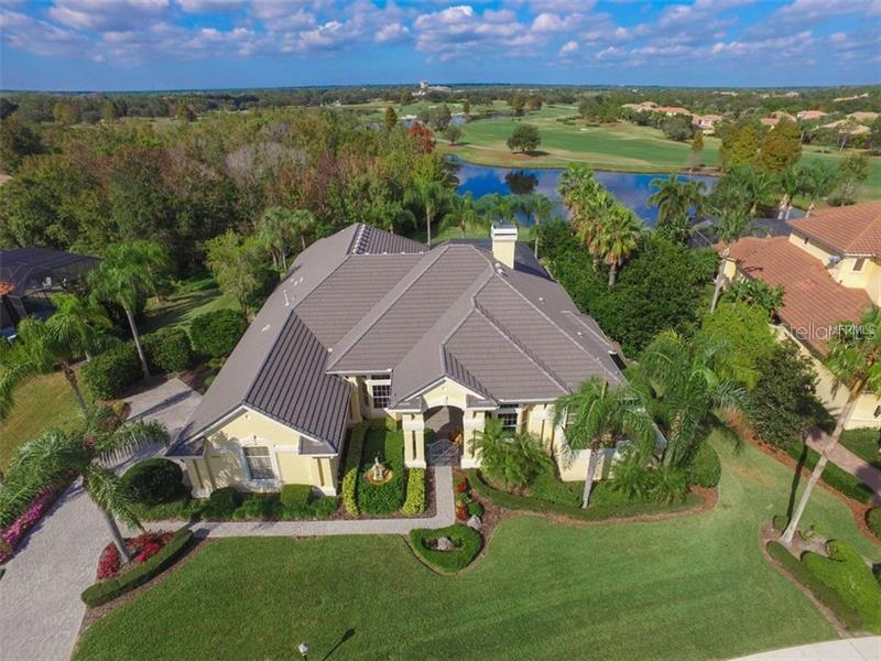 Single Family Home for Sale at 7041 Portmarnock Pl 7041 Portmarnock Pl Lakewood Ranch, Florida,34202 United States