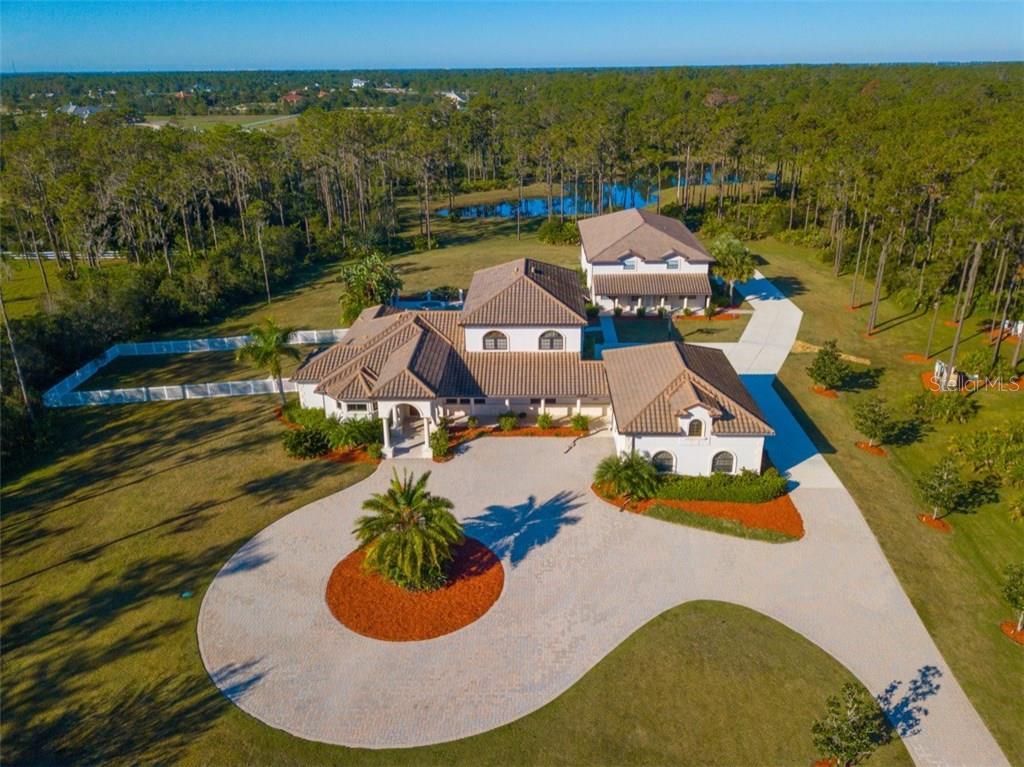Maison unifamiliale pour l Vente à 7520 213th St E 7520 213th St E Bradenton, Florida,34202 États-Unis