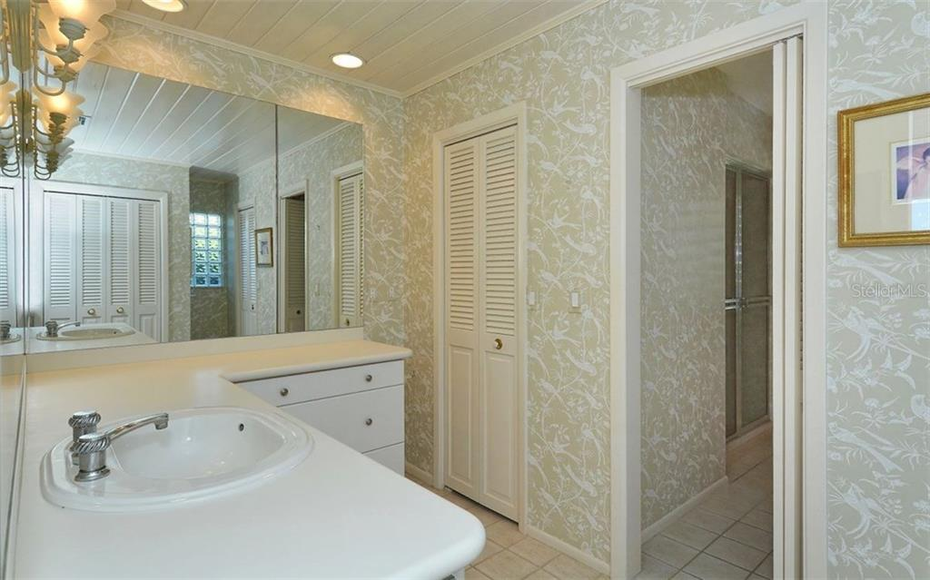Single Family Home for sale at 656 Halyard Ln, Longboat Key, FL 34228 - MLS Number is A4206037