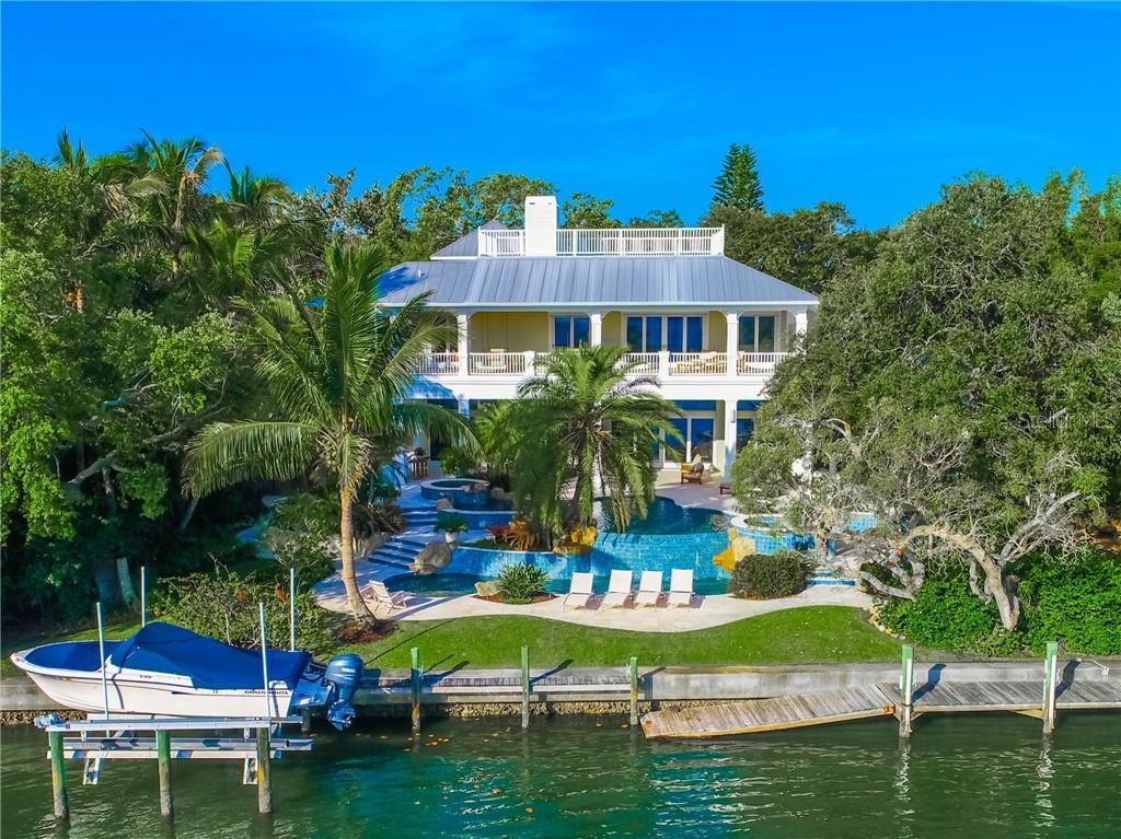 Maison unifamiliale pour l Vente à 5131 Jungle Plum Rd 5131 Jungle Plum Rd Sarasota, Florida,34242 États-Unis