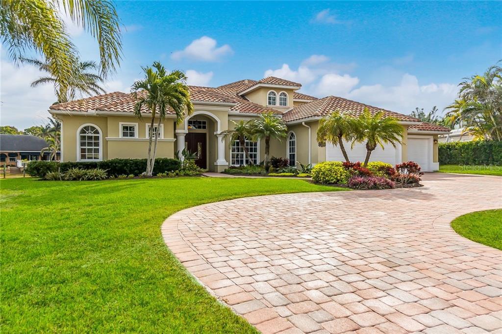 Casa Unifamiliar por un Venta en 2019 74th St Nw 2019 74th St Nw Bradenton, Florida,34209 Estados Unidos