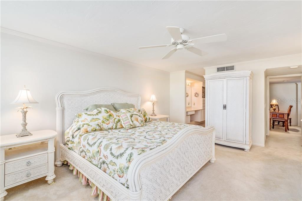 Master bedroom with en suite bathroom - Condo for sale at 5880 Midnight Pass Rd #810, Sarasota, FL 34242 - MLS Number is A4208619