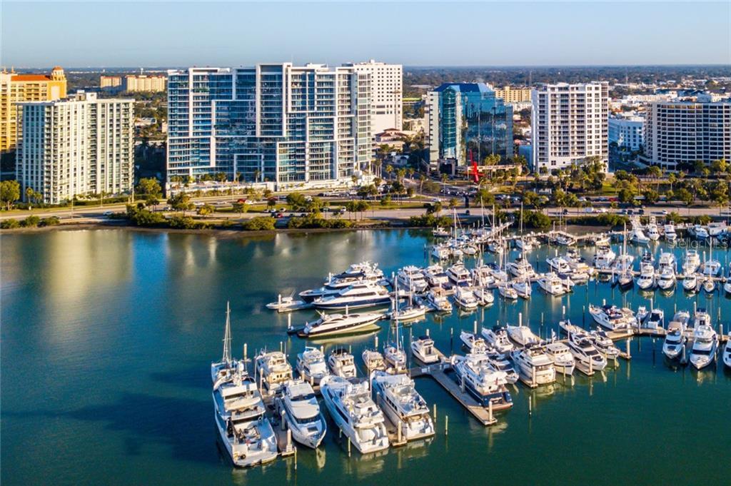 Appartement voor Verkoop een t 1155 N Gulfstream Ave #1001 1155 N Gulfstream Ave #1001 Sarasota, Florida,34236 Verenigde Staten