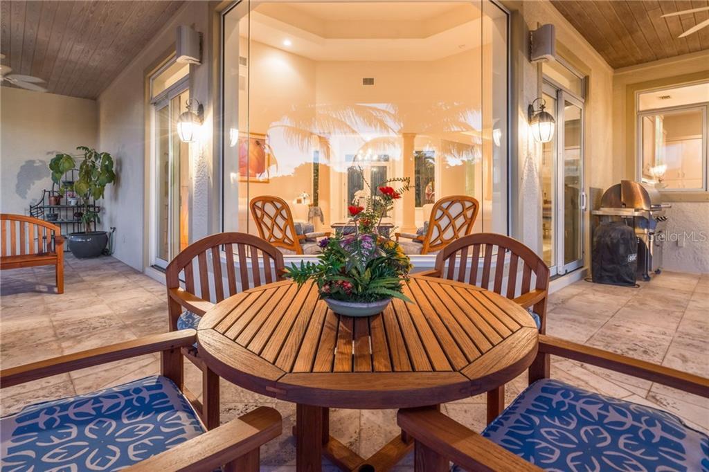 Частный дом для того Продажа на 511 Harbor Cay Dr 511 Harbor Cay Dr Longboat Key, Флорида,34228 Соединенные Штаты