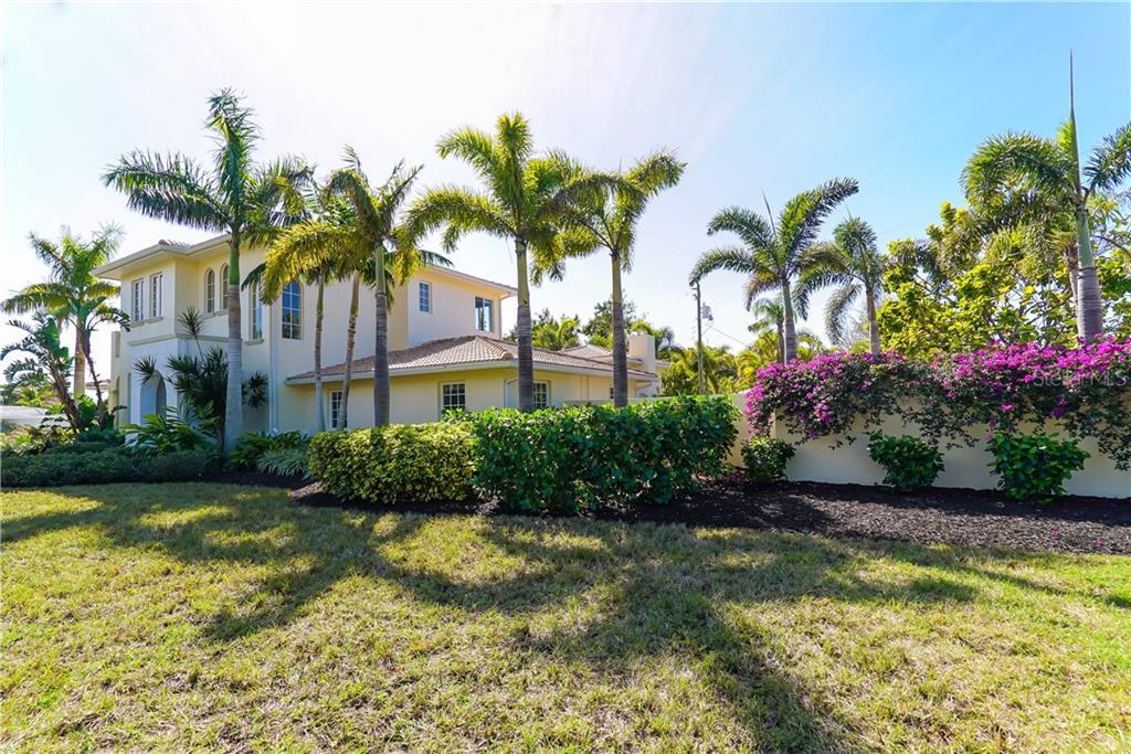 Single Family Home for Sale at 1179 Morningside Pl 1179 Morningside Pl Sarasota, Florida,34236 United States