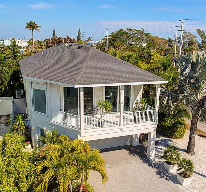 Частный дом для того Продажа на 104 43rd St 104 43rd St Holmes Beach, Флорида,34217 Соединенные Штаты