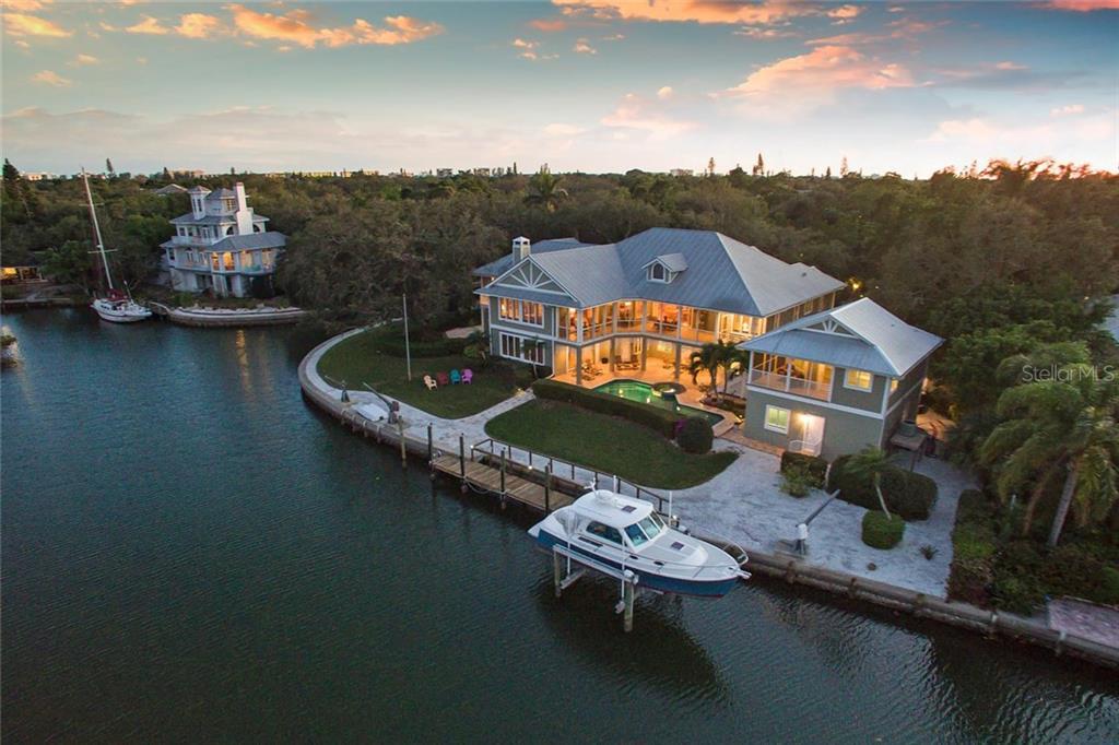 Single Family Home for Sale at 5165 Jungle Plum Rd 5165 Jungle Plum Rd Sarasota, Florida,34242 United States