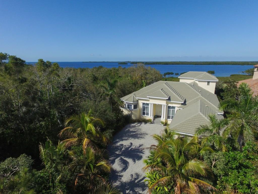 Maison unifamiliale pour l Vente à 1826 Amberwynd Cir W 1826 Amberwynd Cir W Palmetto, Florida,34221 États-Unis