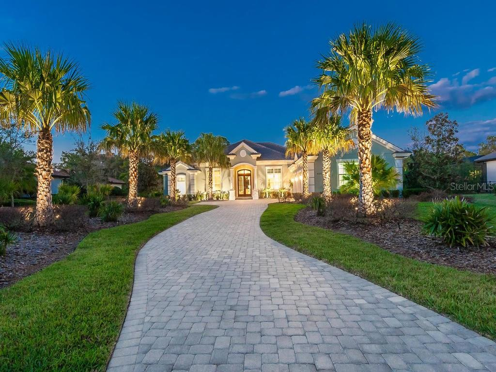 Single Family Home for Sale at 8325 Lindrick Ln 8325 Lindrick Ln Lakewood Ranch, Florida,34202 United States