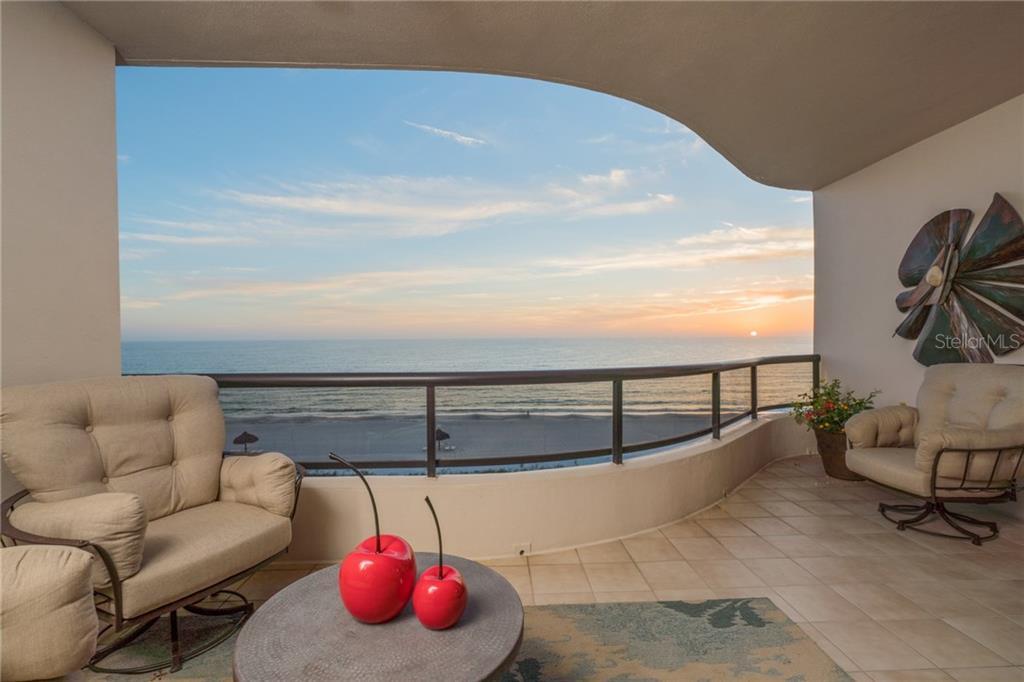 Enfamiljshus för Försäljning vid 435 L Ambiance Dr #k505 435 L Ambiance Dr #k505 Longboat Key, Florida,34228 Usa