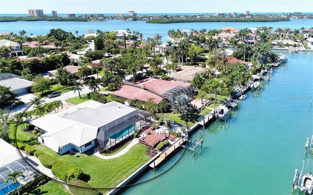 Villa per Vendita alle ore 518 N Spoonbill Dr 518 N Spoonbill Dr Sarasota, Florida,34236 Stati Uniti