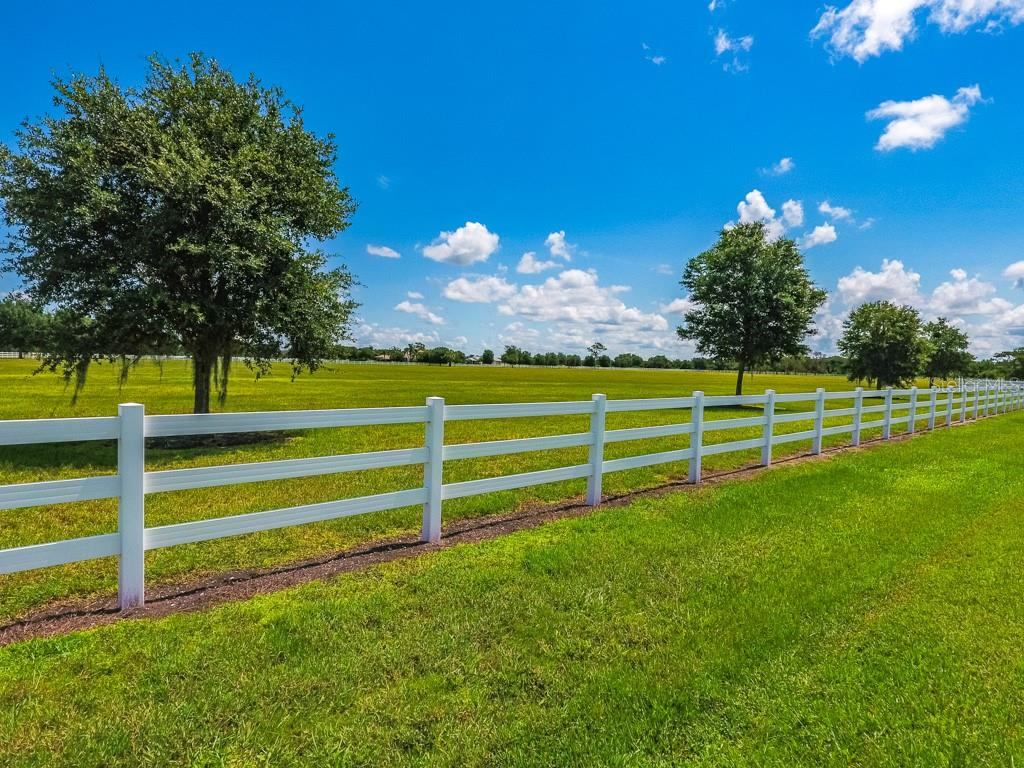 It sounds like a small thing but the White Fencing does make a difference when compared to other communities - Vacant Land for sale at Address Withheld, Sarasota, FL 34240 - MLS Number is A4408612