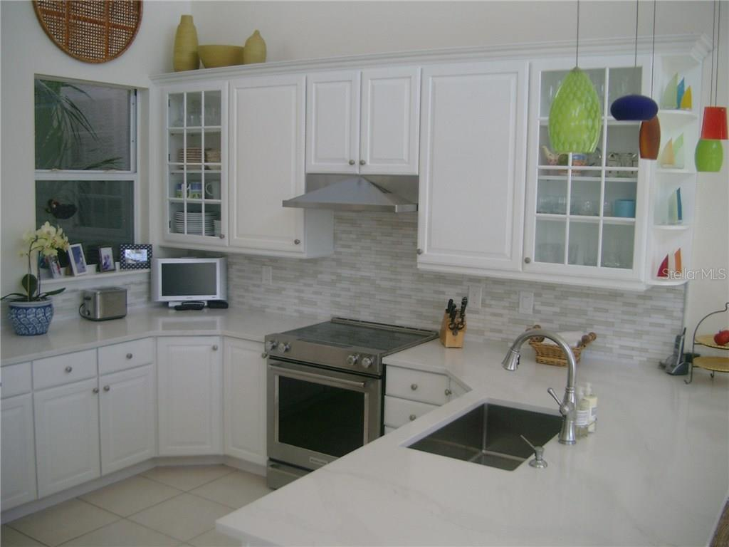 Kitchen close up - Single Family Home for sale at 3452 Mistletoe Ln, Longboat Key, FL 34228 - MLS Number is A4415200