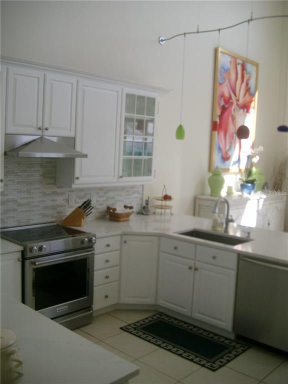 New kitchen Stainless Range/Hood sink/dishwasher - Single Family Home for sale at 3452 Mistletoe Ln, Longboat Key, FL 34228 - MLS Number is A4415200