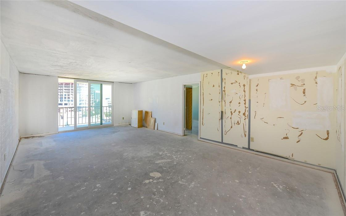 Kitchen AFTER Virtual Construction Staging - Condo for sale at 101 S Gulfstream Ave #10d, Sarasota, FL 34236 - MLS Number is A4420377