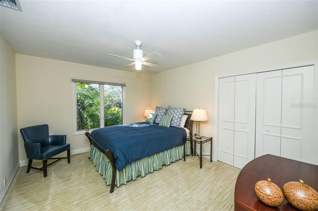 Single Family Home for sale at 2610 Cardinal Pl, Sarasota, FL 34239 - MLS Number is A4426055