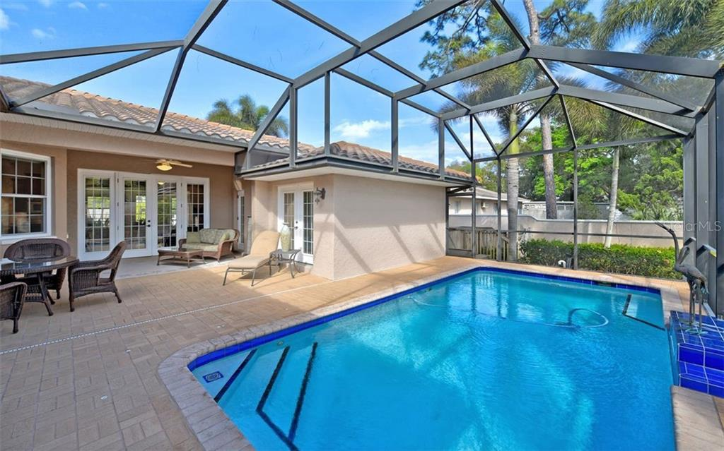 Single Family Home for sale at 864 Highland St, Sarasota, FL 34234 - MLS Number is A4427081