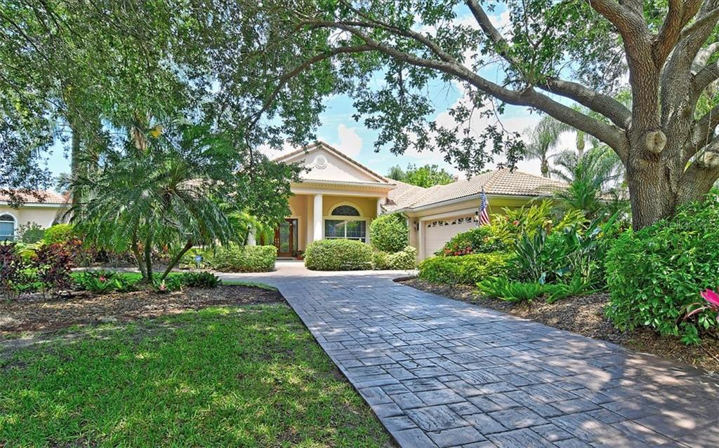Single Family Home for sale at 8006 Collingwood Ct, University Park, FL 34201 - MLS Number is A4429095
