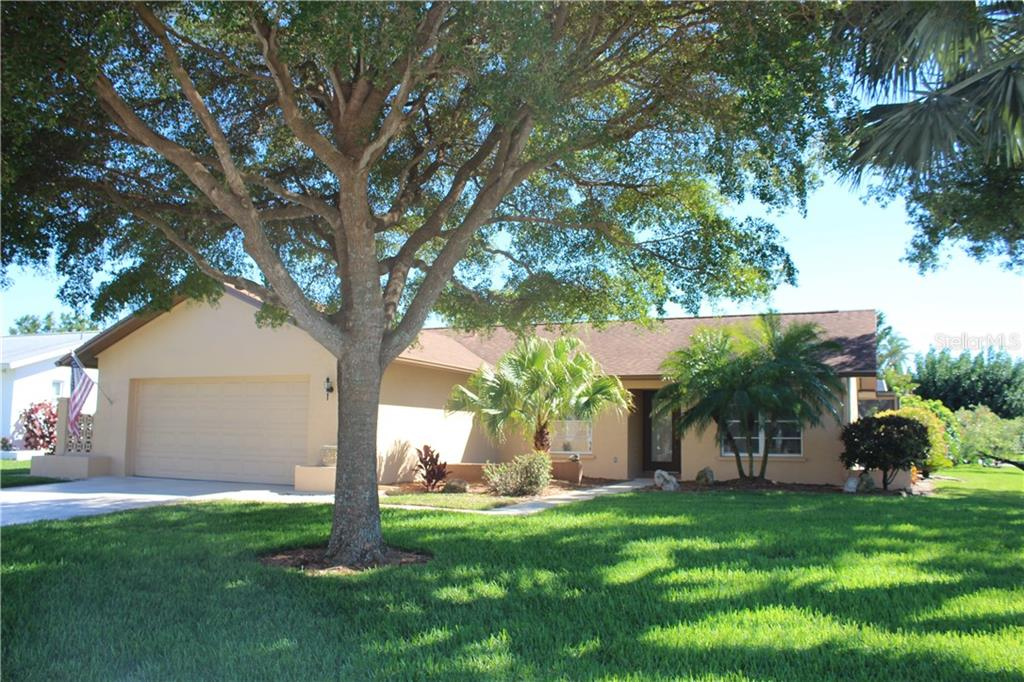 Single Family Home for sale at 6613 15th Ave W, Bradenton, FL 34209 - MLS Number is A4429560