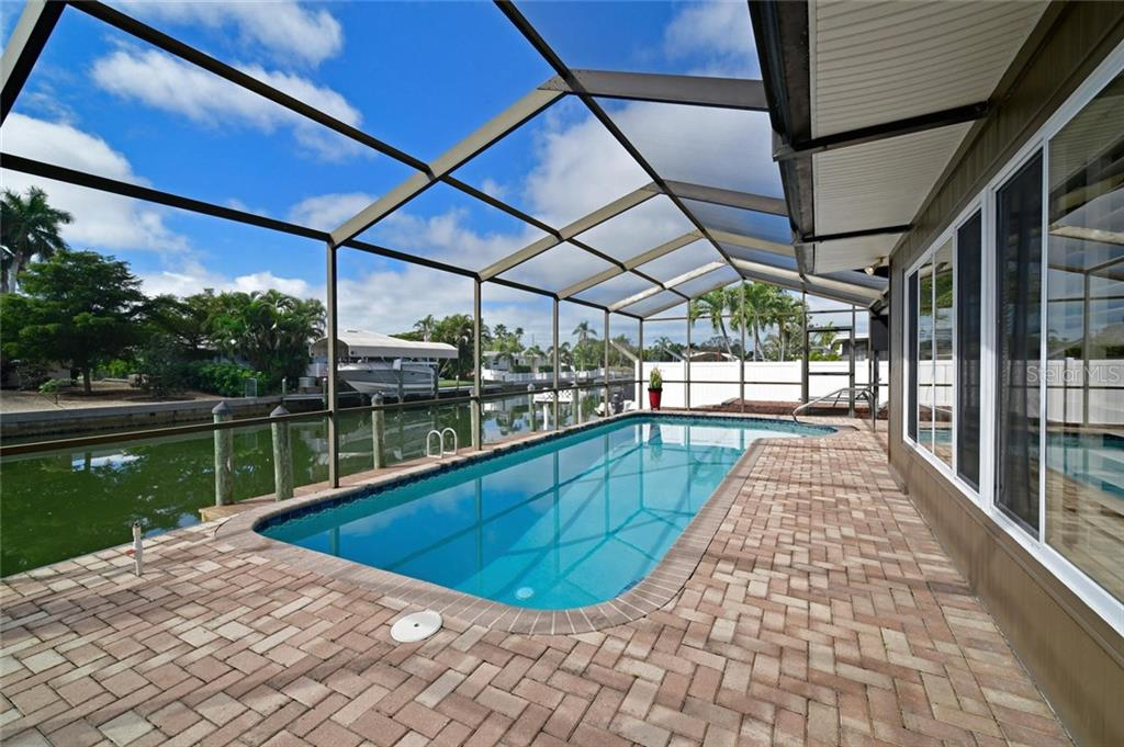 Single Family Home for sale at 10307 Kingfisher Rd W, Bradenton, FL 34209 - MLS Number is A4429672