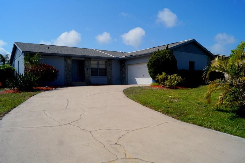 Single Family Home for sale at 1004 77th Street Ct Nw, Bradenton, FL 34209 - MLS Number is A4430869