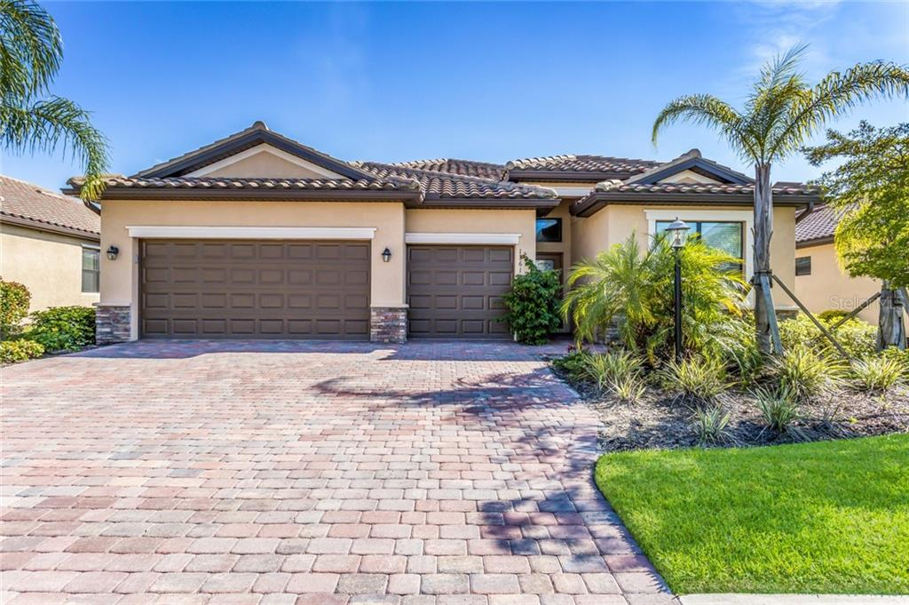 Single Family Home for sale at 13611 American Prairie Pl, Lakewood Ranch, FL 34211 - MLS Number is A4432663