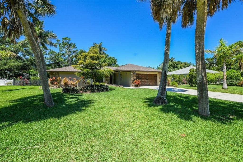 Single Family Home for sale at 224 21st St W, Bradenton, FL 34205 - MLS Number is A4433506
