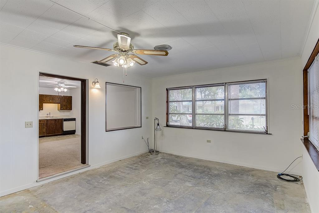 Single Family Home for sale at 4221 Longhorn Dr, Sarasota, FL 34233 - MLS Number is A4435810