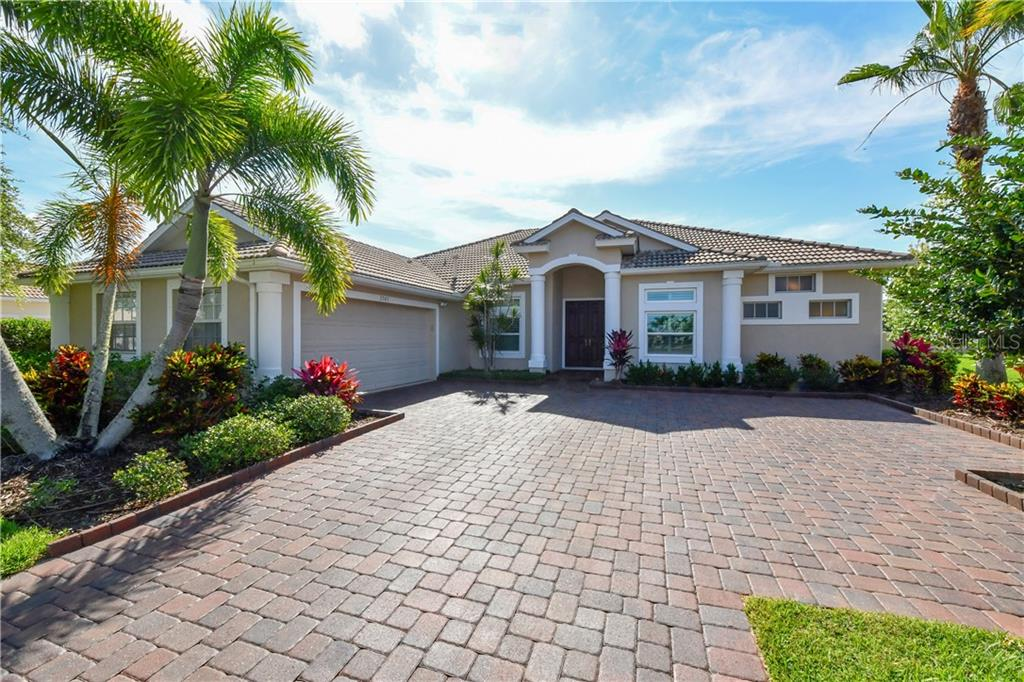 WELCOME HOME! Move-in ready. - Single Family Home for sale at 2745 Harvest Dr, Sarasota, FL 34240 - MLS Number is A4436381