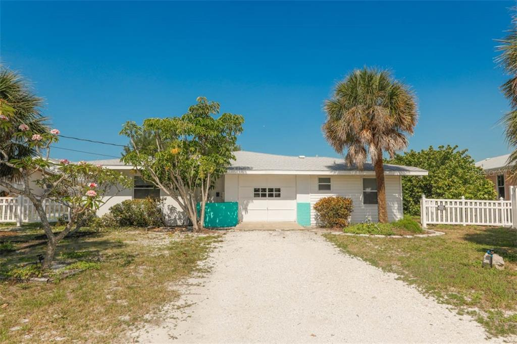 Front - Single Family Home for sale at 755 N Shore Dr, Anna Maria, FL 34216 - MLS Number is A4436711