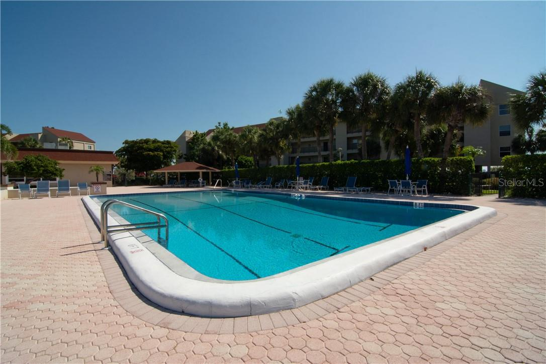 Community Pool Overlooking the Building - Villa for sale at 4820 Gulf Of Mexico Dr, Longboat Key, FL 34228 - MLS Number is A4436854