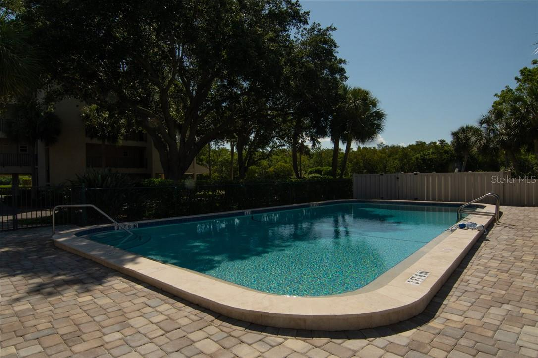 Entrance to the Community - Villa for sale at 4820 Gulf Of Mexico Dr, Longboat Key, FL 34228 - MLS Number is A4436854