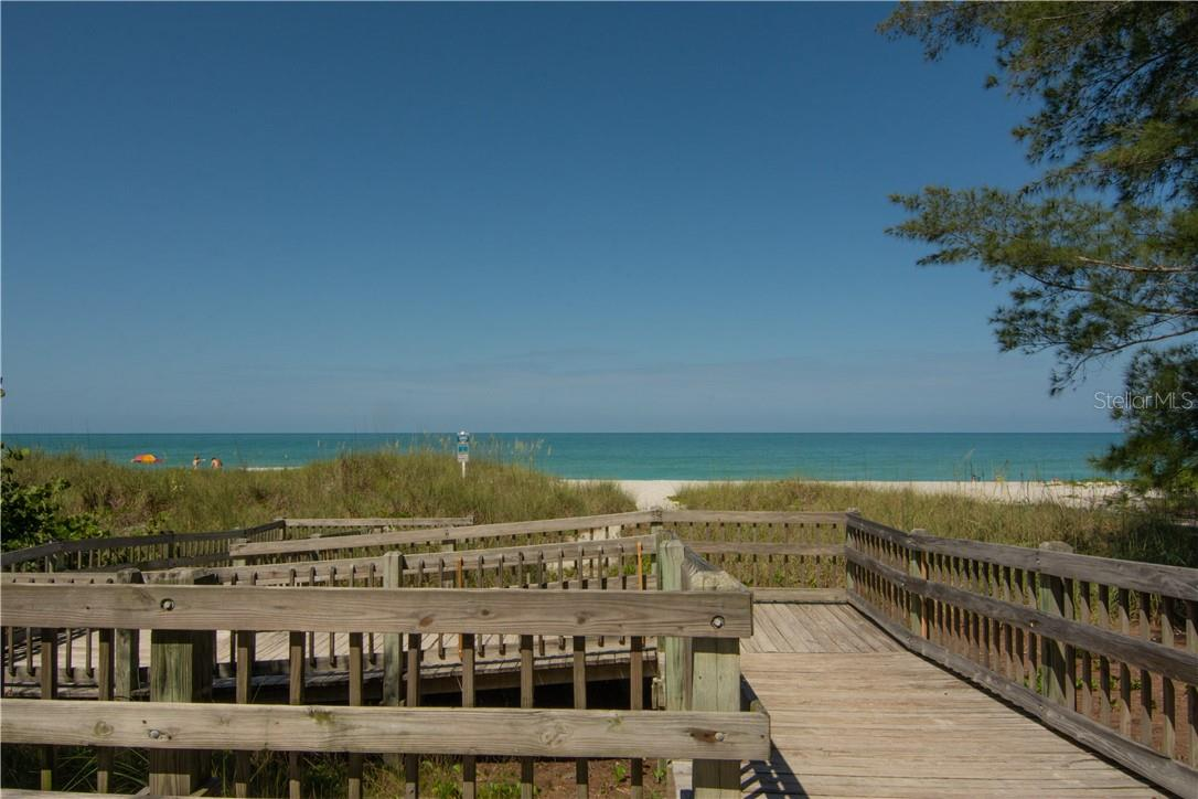 Inviting Path to the Beach - Villa for sale at 4820 Gulf Of Mexico Dr, Longboat Key, FL 34228 - MLS Number is A4436854