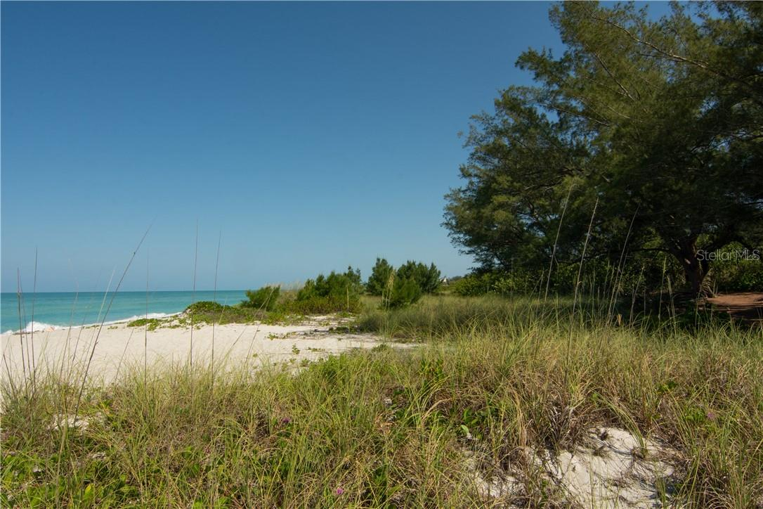 Gulf & Beach Access - Villa for sale at 4820 Gulf Of Mexico Dr, Longboat Key, FL 34228 - MLS Number is A4436854