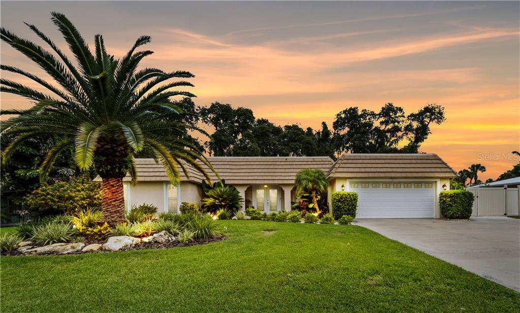Seller Prop Disclosures - Single Family Home for sale at 7642 Cove Ter, Sarasota, FL 34231 - MLS Number is A4441131