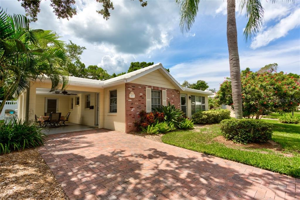 Horizons West gulf-side amenities - Condo for sale at 6145 Midnight Pass Rd #E-7, Sarasota, FL 34242 - MLS Number is A4441945