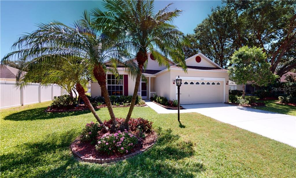 Summerfield Homeowner Manual - Single Family Home for sale at 6317 Blackberry Ln, Lakewood Ranch, FL 34202 - MLS Number is A4443306