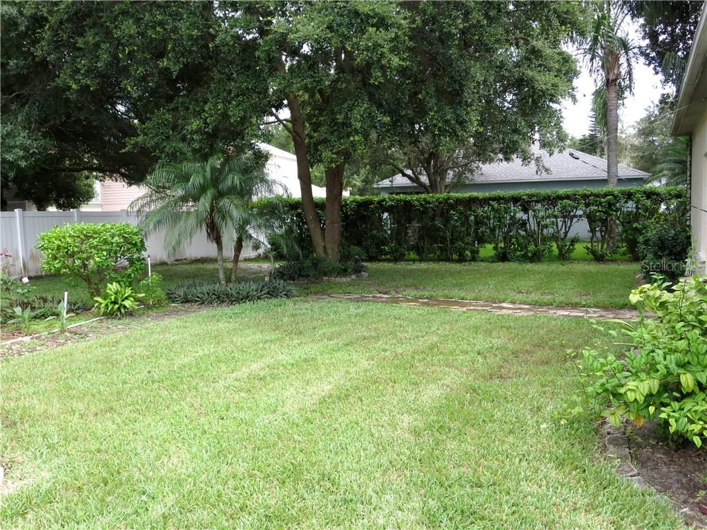 Single Family Home for sale at 6317 Blackberry Ln, Lakewood Ranch, FL 34202 - MLS Number is A4443306